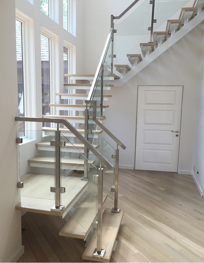 Escalier en acier inoxydable et verre PTC 156