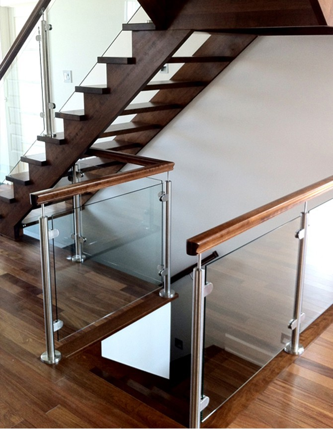 Steel, glass and wood staircase PTR 168