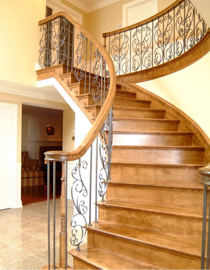 Wood and forged steel staircase B 012