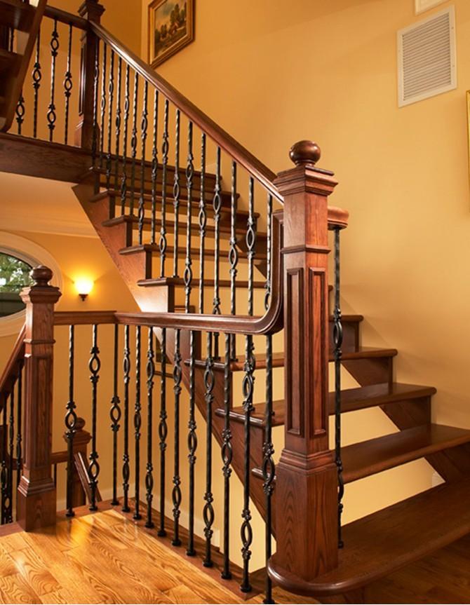 Escalier en bois et acier forgé T 036D